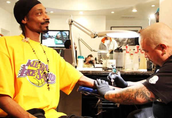 nate dogg snoop dogg. Snoop Dogg Gets A Nate Dogg