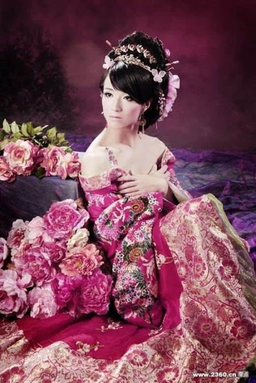 Chinese drag with flowers