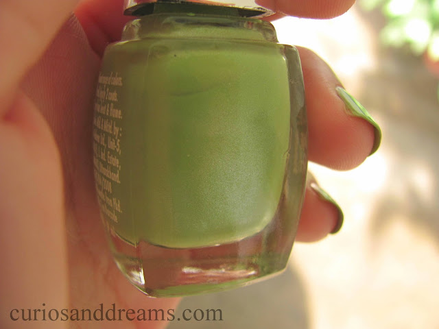 Lakme Color Crush Nail Polish 53 review, Lakme Color Crush Nail Polish 53 swatch, Lakme Color Crush Nail Polish 53