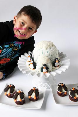 Oreo Penguin Cake Pops