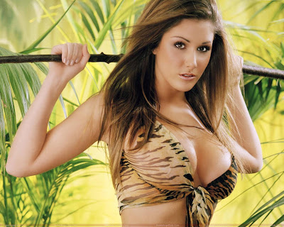 lucy_pinder_glamour_model_hot_wallpaper_01_fun_hungama_forsweetangels.blogspot.com