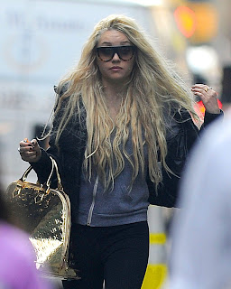 Troubled star Amanda Bynes insists she doesn't do drugs