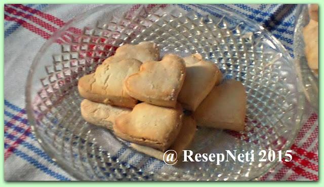 Bangkit cookies or Sago cookies at kusNeti kitchen 2015