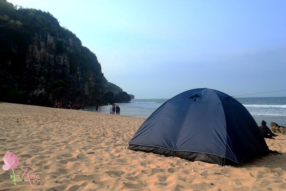 Camping Di Pantai Ngrumput Dan Menikmati Samudera Hindia Di Bukit Kosakora Miss Risna