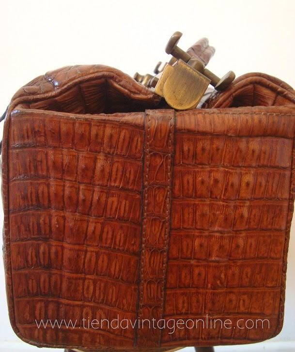 Maletines de médico antiguos online en buen estado con latón y piel de cocodrilo
