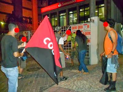 anarquistas,anarquismo,anarquista.anarquía,libertrio,comunismo libertario, CNT AIT , CNT FAI ,trabajadores,1 de Mayo,obreros,proletarios,  http://www.facebook.com/pages/Anarquistas/378066755607147   La FOSE - COB - AIT a través de los Sindavários de Grande Aracaju y Alto Sertão Sergipano, promovieron el pasado sábado 28 de septiembre, un acto de solidaridad con el compañero despedido injustamente por Isban Santander en España, por su defensa de los derechos de los trabajadores en esta empresa, a través de la anarcosindical española CNT-AIT. Los compañeros, pertenecientes a dos ramas de la anarcosindical brasileña, (Aracaju y Sergipe), colocaron carteles y varias pancartas de protesta a las puertas de la entidad bancaria, repartiéndose folletos a los clientes de Isbán Santander. Esto fue sólo el primero de otros actos que se realizarán en nombre de los compañeros despedidos y ante la llamada de solidaridad internacionalista.        http://elmilicianocnt-aitchiclana.blogspot.com.es/2013/10/brasil-solidaridad-internacional.html , anarquistas,anarquismo,anarquista.anarquía,libertrio,comunismo libertario, CNT AIT , CNT FAI ,trabajadores,1 de Mayo,obreros,proletarios,       Abadia de Goiás (GO)     Abadia dos Dourados (MG)     Abadiânia (GO)     Abaeté (MG)     Abaetetuba (PA)     Abaiara (CE)     Abaíra (BA)     Abaré (BA)     Abatiá (PR)     Abdon Batista (SC)     Abel Figueiredo (PA)     Abelardo Luz (SC)     Abre-Campo (MG)     Abreu e Lima (PE)     Abreulândia (TO)     Acaiaca (MG)     Açailândia (MA)     Acajutiba (BA)     Acará (PA)     Acarape (CE)     Acaraú (CE)     Acari (RN)     Acauã (PI)     Aceguá (RS)     Acopiara (CE)     Acorizal (MT)     Acrelândia (AC)     Acreúna (GO)     Açucena (MG)     Assu (RN)     Adamantina (SP)     Adelândia (GO)     Adolfo (SP)     Adrianópolis (PR)     Adustina (BA)     Afogados da Ingazeira (PE)     Afonso Bezerra (RN)     Afonso Cláudio (ES)     Afonso Cunha (MA)     Afrânio (PE)     Afuá (PA)     Agrestina (PE)     Agricol