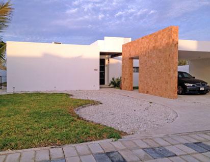 Fachadas minimalistas residencia minimalista de 1 nivel for Casa minimalista un nivel