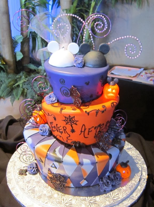 disney wedding inspiration disney halloween wedding cakes to sink your teeth into - Halloween Wedding Cakes Pictures