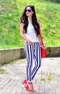http://www.petitsweetcouture.com/2013/08/striped.html