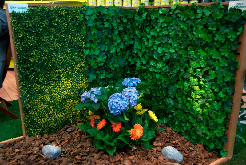 Setos artificiales jardines verticales y cubiertas vegetales for Jardines naturales pequenos