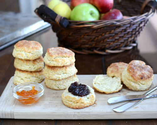 Mom's Perfect Biscuits ♥ KitchenParade.com, the family recipe, perfected by three generations of biscuit makers and one persistent food blogger. The secret ingredient? One egg.