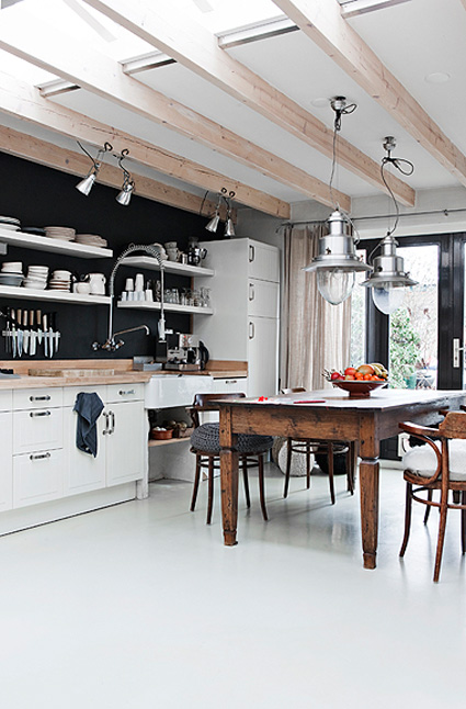 http://4.bp.blogspot.com/-Y9LfFUe3ajk/Td_phlE9OzI/AAAAAAAAHAc/_N6VENB2Gn4/s1600/Handmade+Home+DTI.jpg