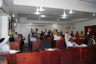 Regidores ASDN aumentan a 250 mil pesos sueldo de Alcalde Francisco Fernández.