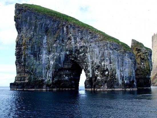 Drangarnir-Faroe-Islands