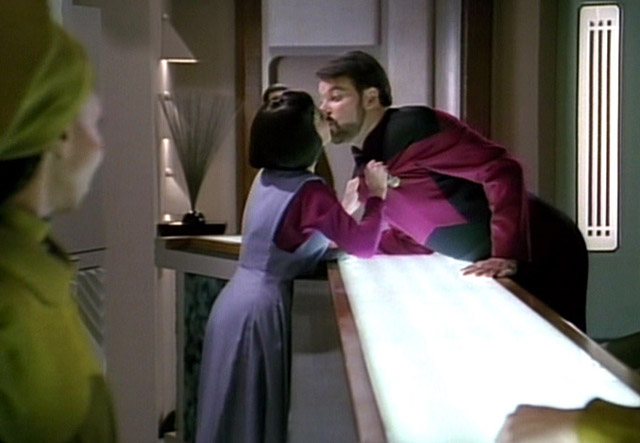 Resistance Is Futile To These STAR TREK Inspired Pick-Up Lines
