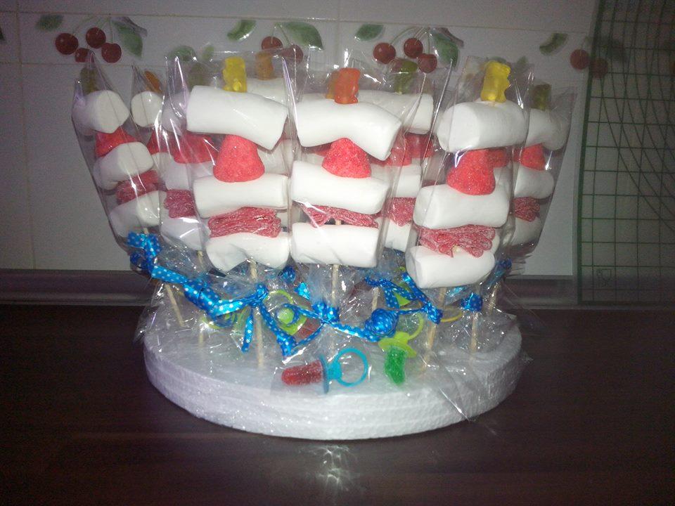 Tartas de raquel tartas y brochetas de chuches - Chuches para bautizo ...