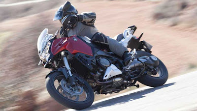 Honda VFR 1200X Crosstourer a aventureira chega em outubro