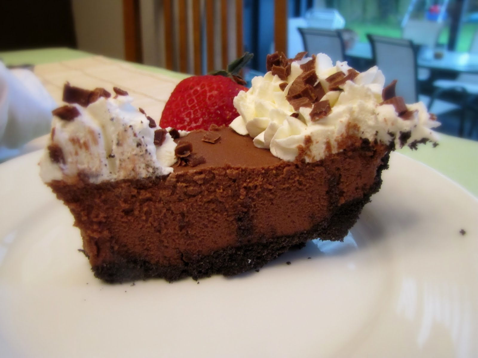 Rumbly in my Tumbly: Decadent Chocolate Mousse Pie