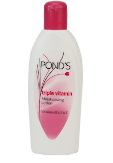 Amazon : Buy Ponds Moisturising Lotion, 300ml only on Rs. 179 – Buytoearn
