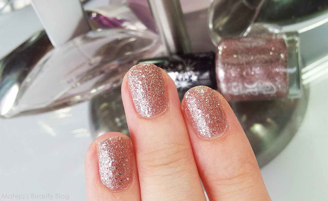 Star dust nail lacquer guerlain 25 - I Just Know I Will Hate Taking It Off As All Such Shades Are Such A Pain To Remove But I Will Endure For This Shade