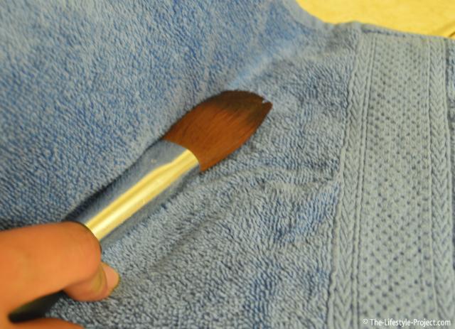 tutorial-easy-clean-makeup-brush