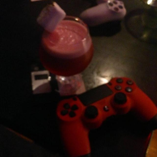 Le Nexus SmartBar à Montréal: Un cocktail et une game?