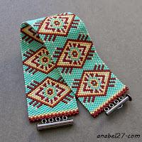 Бирюзовый мозаичный браслет с орнаментом в этническом стиле
