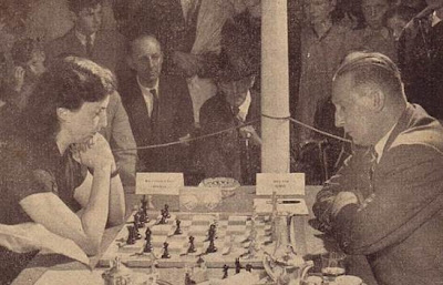 Partida de ajedrez Chantal Chaudé de Silans contra Henry Grob