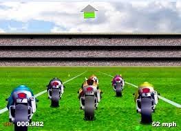 Yeşil Sahada Motor Yarışı
