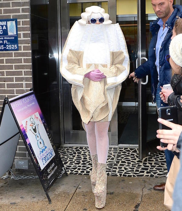 Covered up in a white and beige color on her birthday at new york.