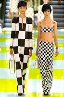 Летни панталони на едри квадрати в черно и бяло на Louis Vuitton