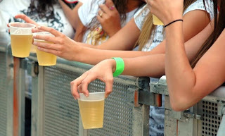 CÂMARA APROVA QUE A VENDA DE BEBIDA ALCOÓLICA PARA MENOSRES SEJA CRIME