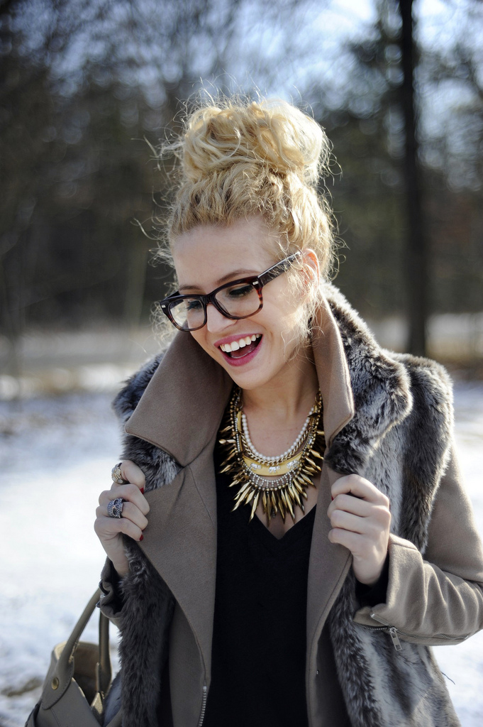 Super Awesome Blog: Boys don39;t make passes at girls who wear GLASSES