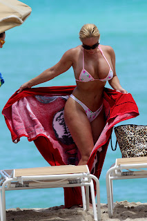 Coco Flaunts Miami Beach Photo, Coco Flaunts Miami Beach Pics