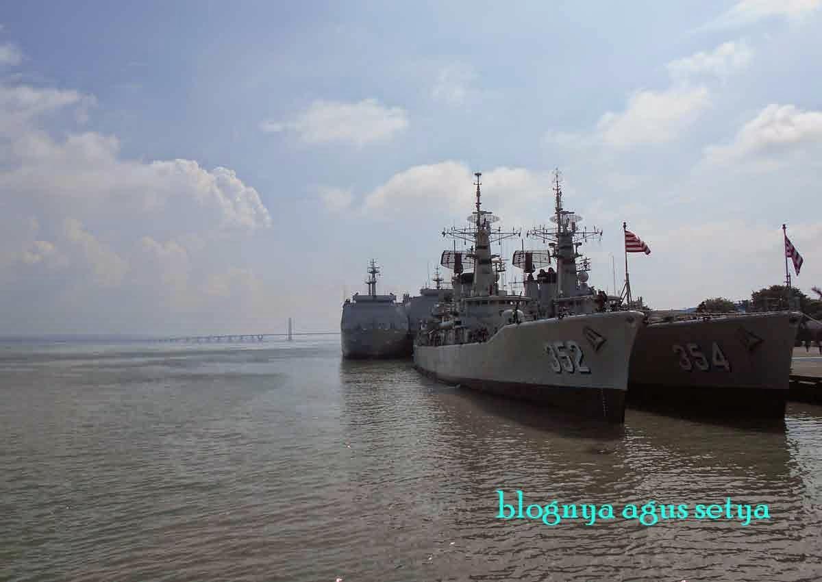 armada kapal perang indonesia