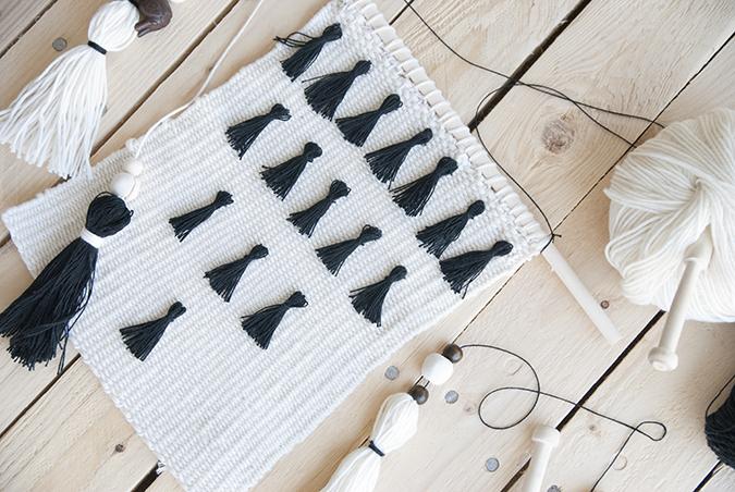 tapiz con borlas