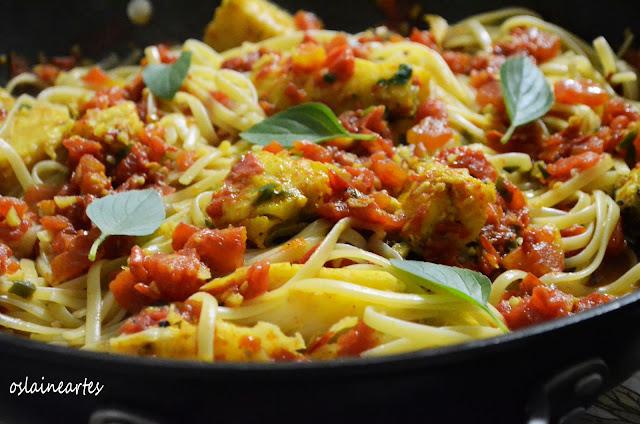 Linguine com Bacalhau e Tomate