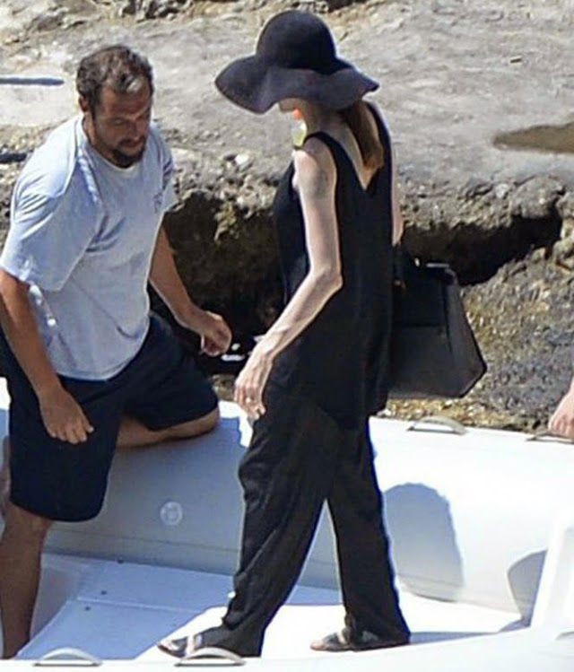 Angelina Jolie sigue flaca
