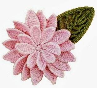 Hermosa flor con hoja tejida con ganchillo - con diagrama