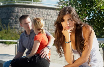 Dealing With a Jealous Girlfriend - how_not_to_be_a_jealous_girl