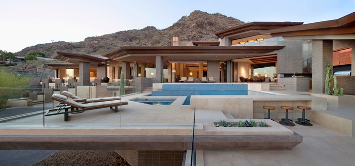 Terrace of modern Dream home in the desert, Paradise Valley