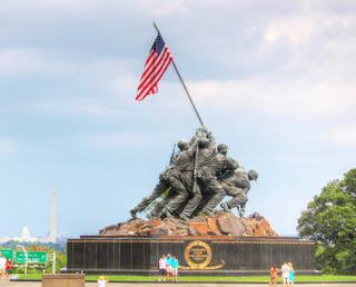 Tugu Peringatan bagi Korps Marinir Amerika