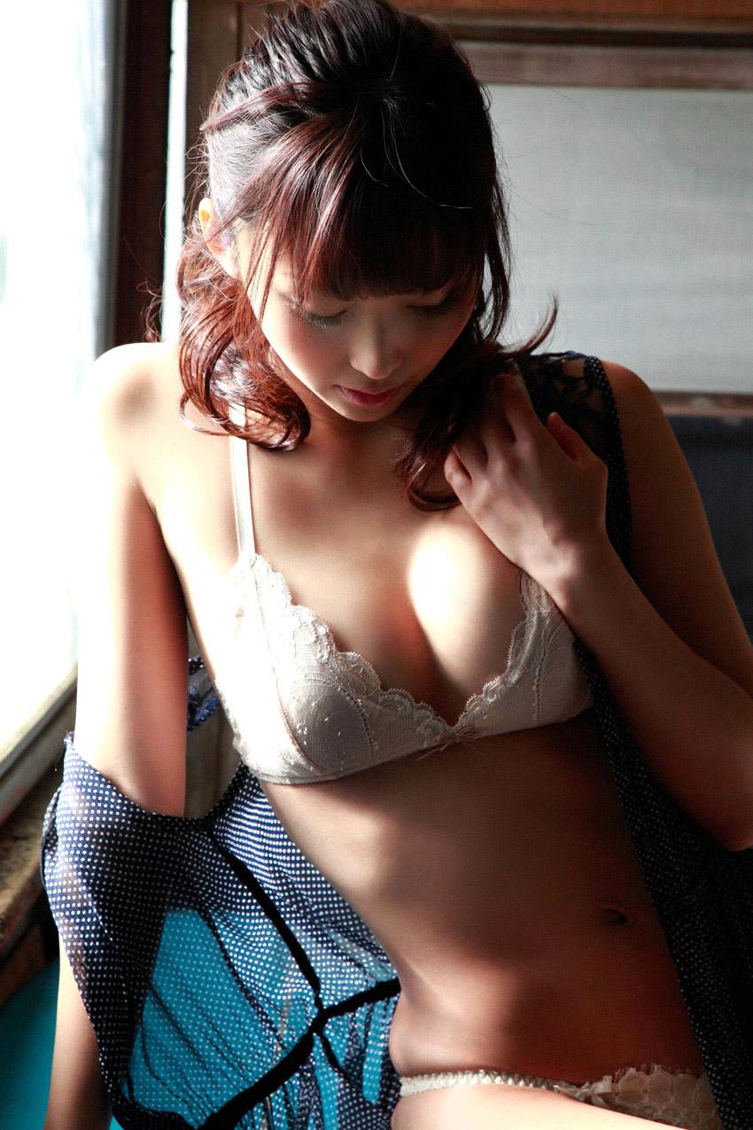 risa yoshiki sexy nude photos 05