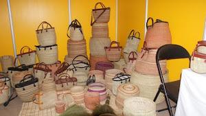 Vikapu vya sokoni na pochi za kikapu wasiliana au ujumbe wa maneno 0763718371.