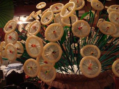 http://4.bp.blogspot.com/-YFBFV1tOyhM/TmGmg4PXOTI/AAAAAAAAAJE/x0sQ8-7b3JU/s1600/funny-condom-flower.jpg