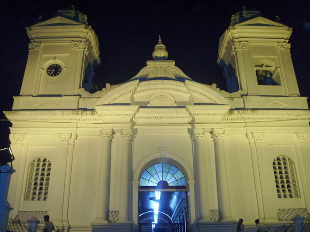 Vista nocturna en la Iglesia de Ilobasco