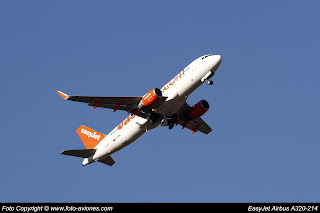 Airbus A320 G-EZWS