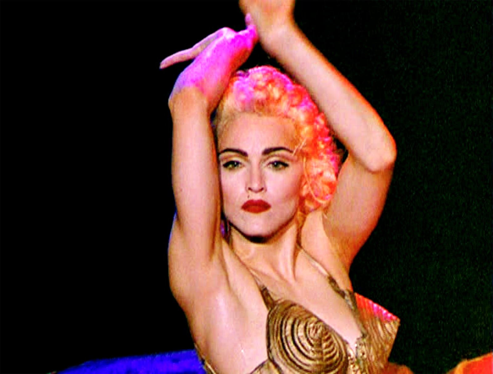 http://4.bp.blogspot.com/-YFURyC-PBcc/T4G2XM2o5EI/AAAAAAAAacw/KmR4UxMVj5M/s1600/MadonnaTruth_059Pyxurz.jpg