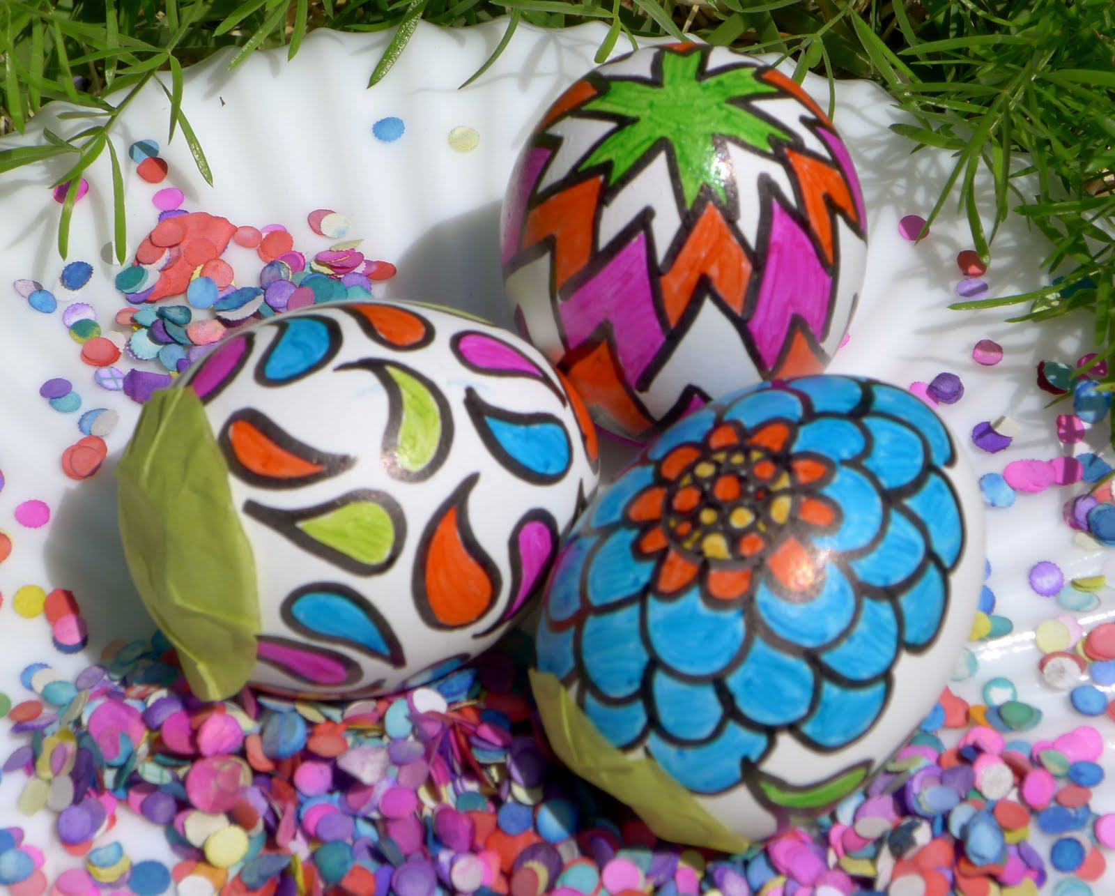 You guys, Easter's a couple of weeks away, and I went on an Easter egg decorating binge last weekend. I realized that I hadn't dyed eggs in years, and I think I may have been trying to make up for lost time.