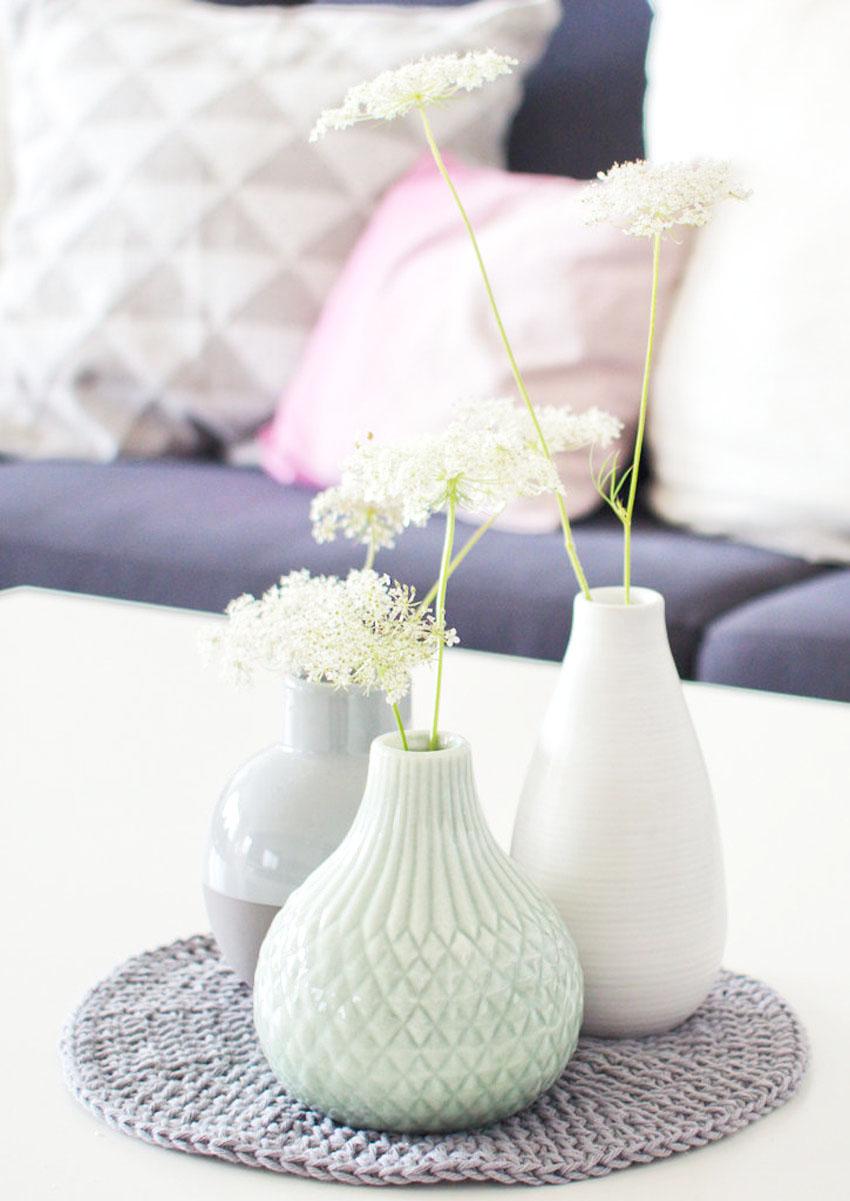 Blumenvase Viole klein schlagfest weiß